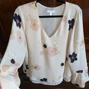 Pretty SPRING blouse wore once